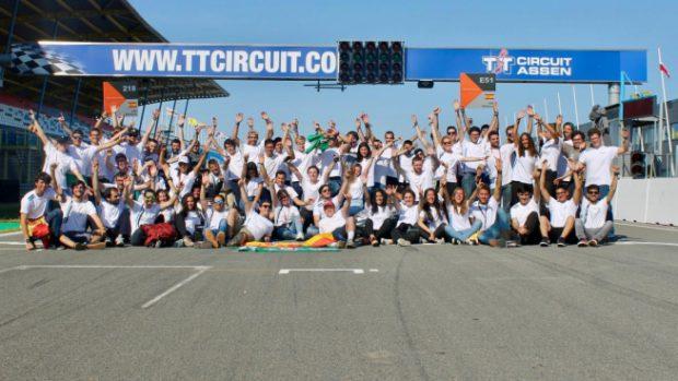 El equipo de Arus en el circuito de Assen